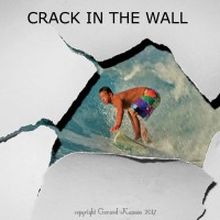 CRACK IN THE WALL. Oahu, surfing photo