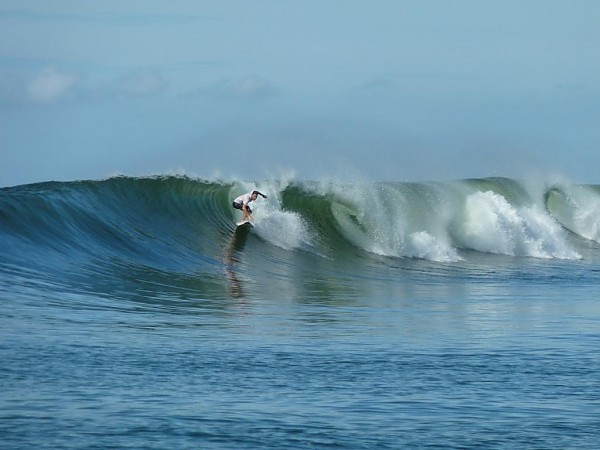 El Salvador Late Oct '11 While the Atlantic was sleeping...swell