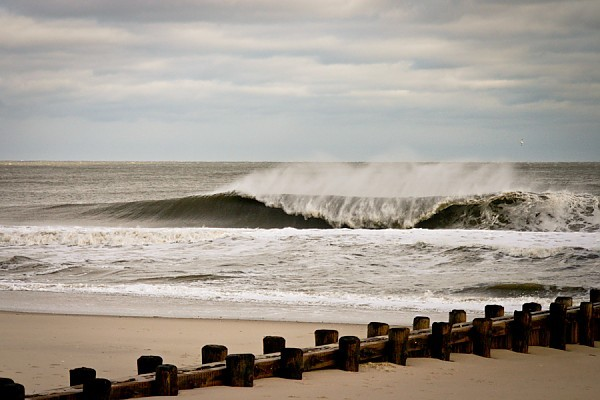 Dec. 27. 2012. New Jersey, Empty Wave photo