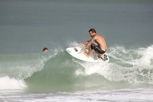 surf fun day with glassy surf