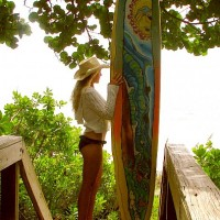 Southern Girl's Surf! surfer girl with a GROOVY longboard