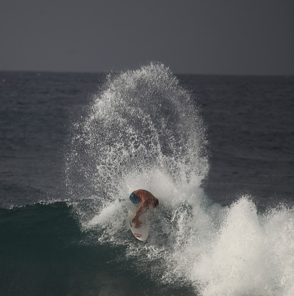 Hawaii Big Roost Rip. United States, Surfing photo