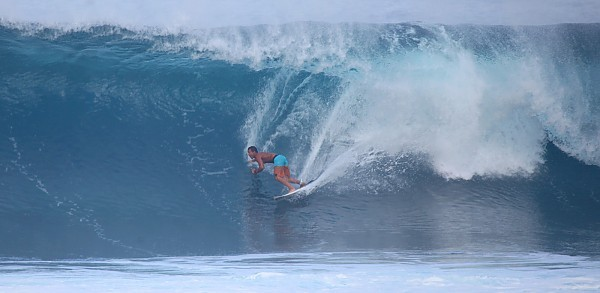 Tieing in Hawaii Surf NSO Surf