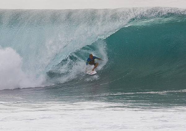Oahu's North Shore Kelly Slater at the Banzai Pipeline