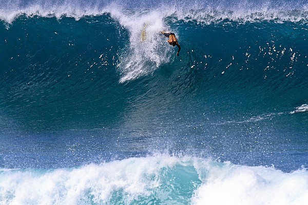 Oahu's North Shore Winter swell arrives on Oahu's North
