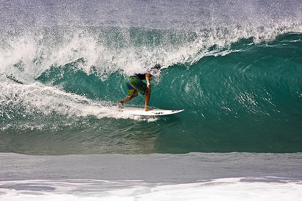 Hawaii's North Shore Surf A day at the Banzai Pipeline