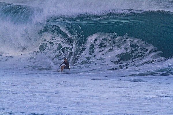 2013 Pipe Masters, Oahu's north Shore Large swell on