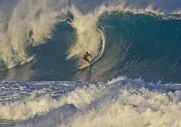 Oahu's North Shore Another large swell and the Banzai