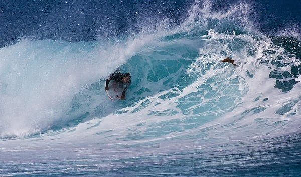 First winter swell hitting Oahu's north shore Bodyboarding
