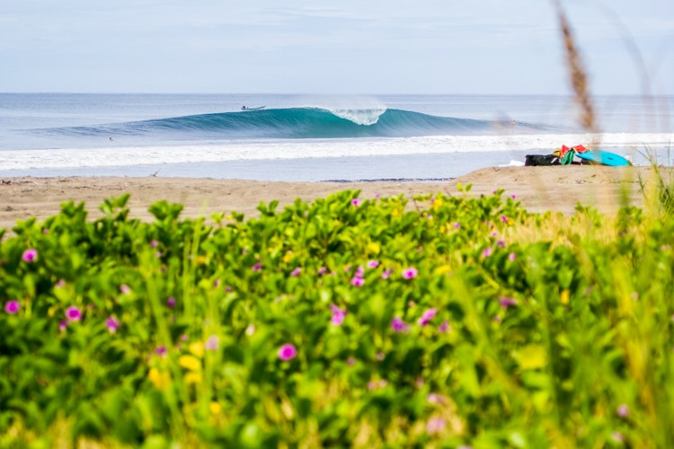 double overhead left or right. Nicaragua, Empty Wave photo