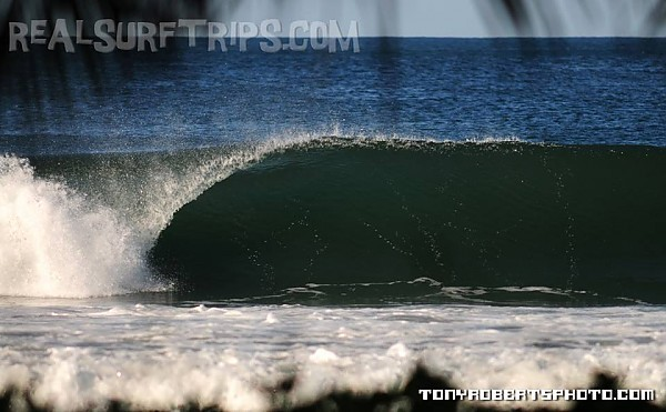 Real Surf Trips Costa Rica Stretch, paddle out, get