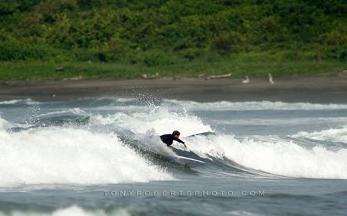 Real Surf Trips Costa Rica Shawn Grant putting it on