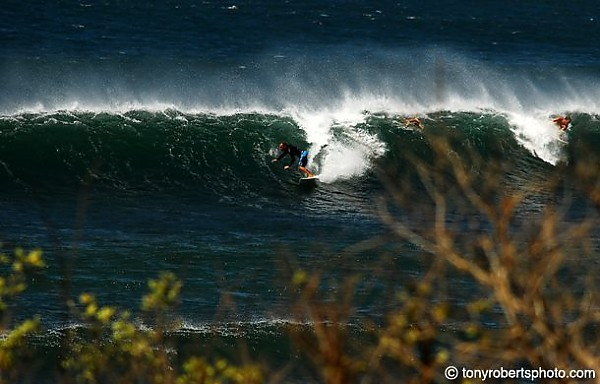 Easing into what will be a scorching solo [url]http://www.realsurftrips.com[/url]