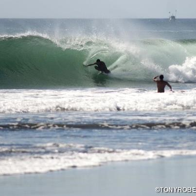 Offshore winds and dry season pits gotta love it! [url]http://www.realsurftrips.com[/url]
