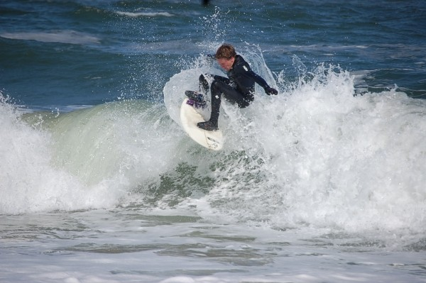 Surfen De fun little swell at ss