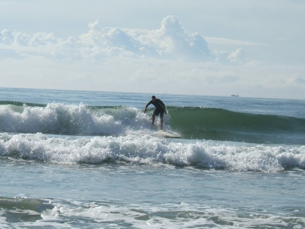 Fun wave Stone Harbor. New Jersey, surfing photo