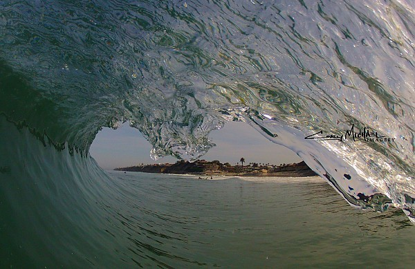 POV. United States, Empty Wave photo