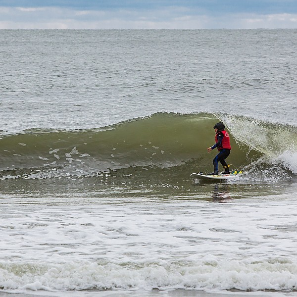 4yr Old NJ Surfer Cruz Dinofa sets up for his first
