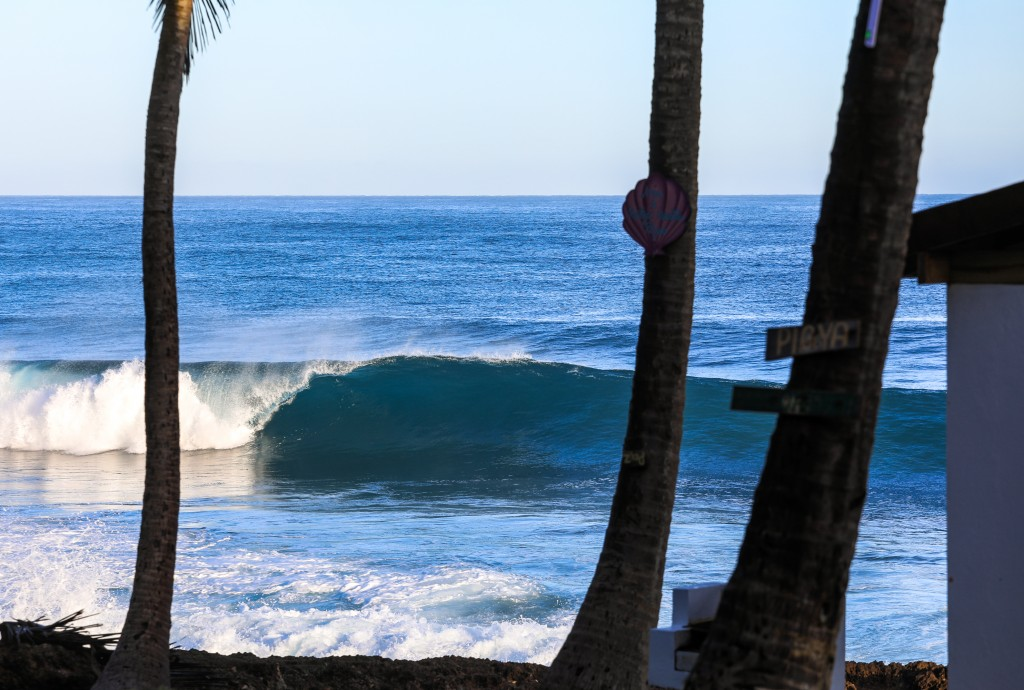 Puerto Rico, Empty Wave photo
