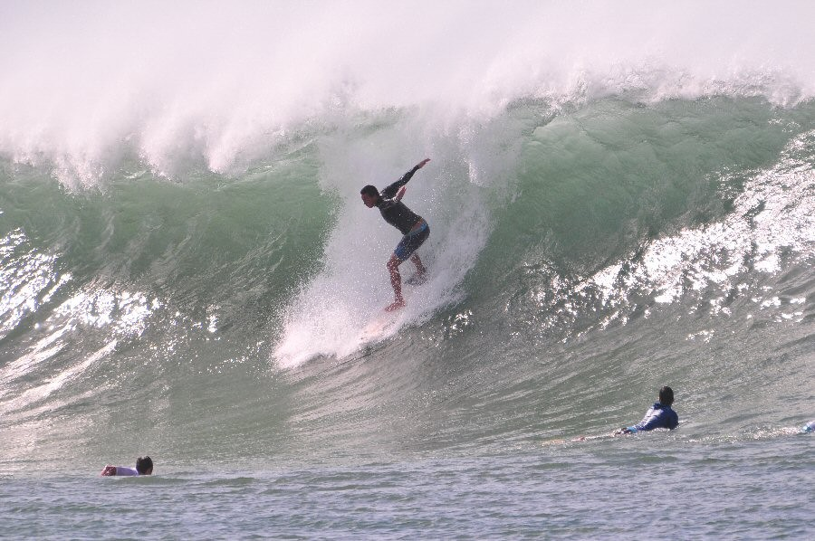 Ala Moan Bowls. Oahu, surfing photo