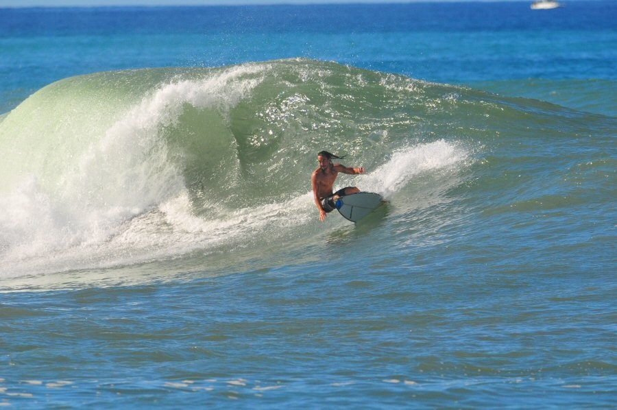 Ala Moana Bowls, surfing photo