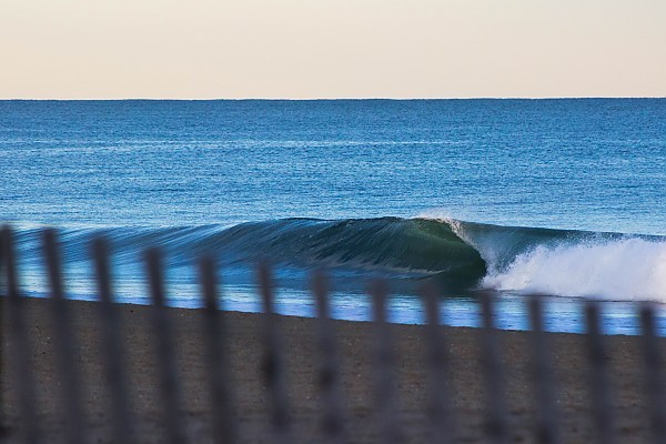 Heavy Right. United States, Empty Wave photo