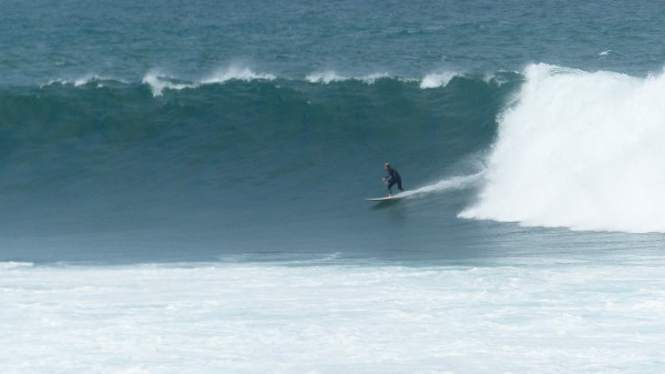 Solid day at NGor right. Surfing photo