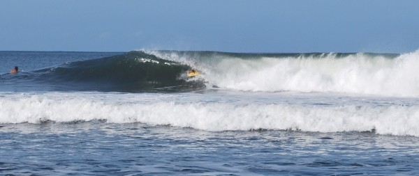 Barrels Anyone? All-morning lefts and rights......barreling