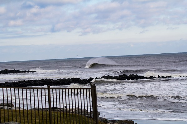 Loner Firing Sunday 12/15/2013. New York, Empty Wave photo