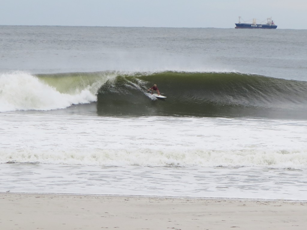 LB Left. New York, Surfing photo