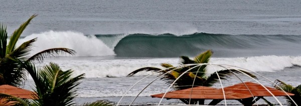 Panama Here is another shot of the beachbreak. In 4