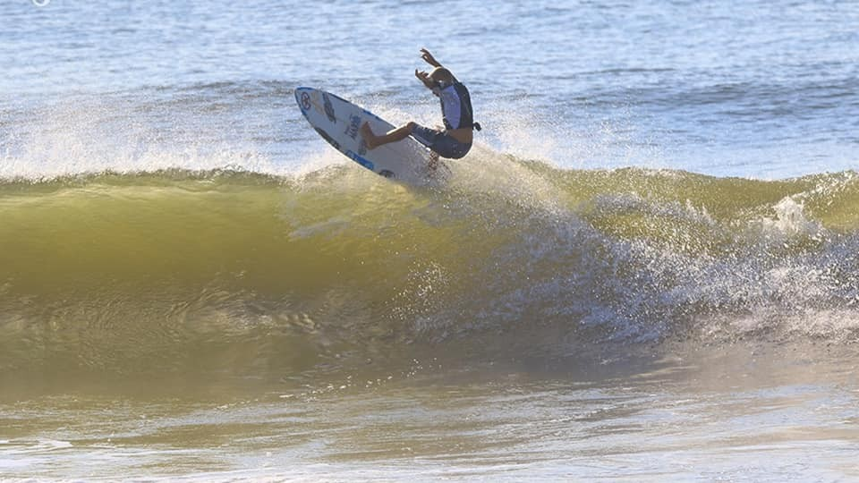 Dunes Club Surf Team rider Mako Musilinas at Carolina
