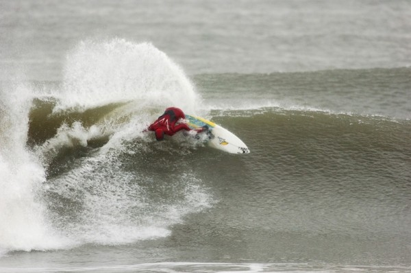 zack humphreys full rail carve. New Jersey, surfing photo