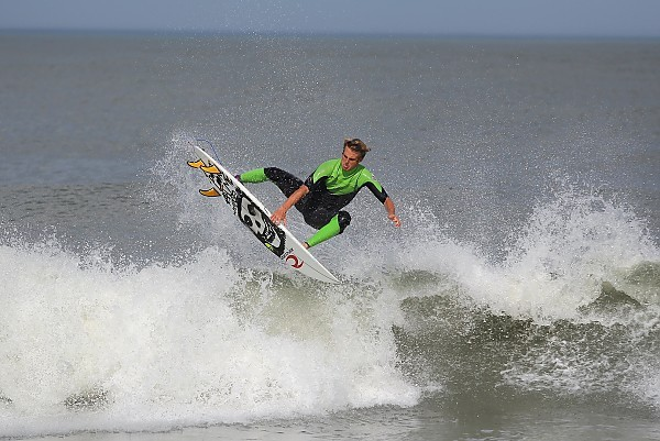 6.11.2013 Brad Flora. Delmarva, Surfing photo